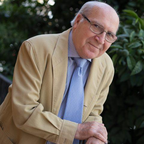 Dr. Alvarez Romero